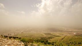 Montañas iraquíes en la región autónoma del Kurdistan cerca de Irán foto de archivo