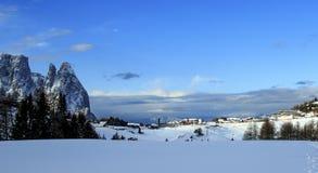 Montañas italianas en el invierno fotografía de archivo libre de regalías