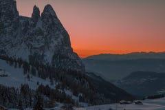 Montañas italianas en el invierno imagenes de archivo
