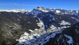 Montañas italianas en el invierno imagen de archivo