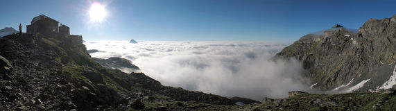 Montañas italianas; Rifugio Citta di Vigevano Fotografía de archivo