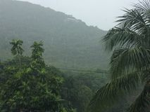 Montañas lluviosas Fotografía de archivo libre de regalías