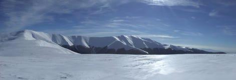 Montañas maravillosas del invierno Fotografía de archivo