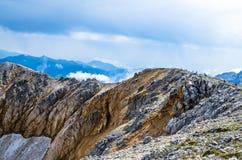 Montañas, naturaleza, cima, turismo Imagen de archivo libre de regalías