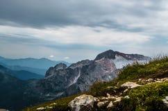 Montañas, naturaleza, cima, turismo Imagenes de archivo