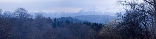 Montañas nevadas Fotografía de archivo libre de regalías