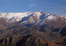 Montañas nevadas del atlas de Marruecos imagen de archivo libre de regalías