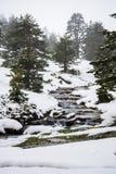 Montañas Nevado con el río en Madrid. Fotografía de archivo libre de regalías