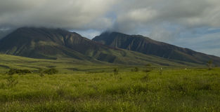 Montañas ocultadas Imagenes de archivo