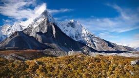 Montañas, otoño, Everest, Himalaya imagenes de archivo