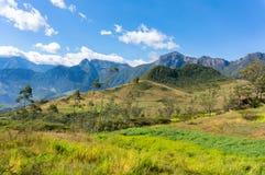 Montañas peruanas en la región meridional del Amazonas Fotos de archivo libres de regalías