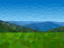 Montañas polivinílicas bajas con el cielo azul Foto de archivo libre de regalías