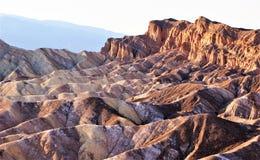 Montañas que erosionan impasibles de Death Valley imágenes de archivo libres de regalías