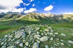 Montañas rocosas imagenes de archivo