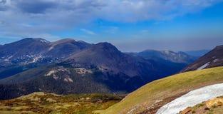 Montañas rocosas asombrosas Imagen de archivo libre de regalías