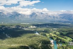 Montañas rocosas canadienses Parque nacional de Banff Cloudscape rural Imagen de archivo