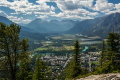 Montañas rocosas canadienses Parque nacional de Banff Cloudscape rural Fotografía de archivo libre de regalías