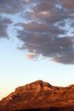 Montañas rocosas en la puesta del sol, madonie, Sicilia Fotos de archivo libres de regalías