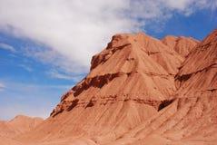 Montañas rojas de la falda del desierto Imágenes de archivo libres de regalías
