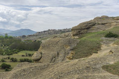 Montañas, ruinas antiguas y paisaje de las rocas Fotografía de archivo