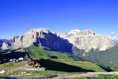 Montañas Saas Pordoi Imágenes de archivo libres de regalías