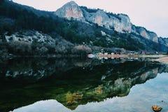 Montañas simétricas Fotos de archivo