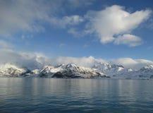 Montañas sobre las nubes en la Antártida Fotografía de archivo libre de regalías