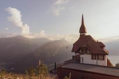 Montañas suizas, un puesto de observación más duro del kulm imagen de archivo libre de regalías