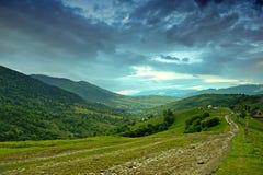 Montañas. Ucrania. Fotos de archivo