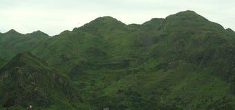 Montañas verdes fotografía de archivo