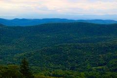 Montañas verdes rodantes de Vermont Foto de archivo