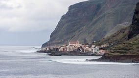 Montañas y acantilados de Madeira imagen de archivo libre de regalías