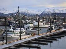 Montañas y barcos Fotos de archivo libres de regalías