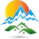 Montañas y casas, deportes y logotipo del logotipo del viaje libre illustration