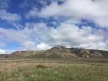 Montañas y cielo de Montana De Oro California Imágenes de archivo libres de regalías