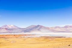 Montañas y colores en reserva nacional de los flamencos del Los Imagen de archivo