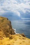 Montañas y el mar Imagen de archivo