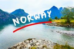 Montañas y fiordo en Noruega, Fotografía de archivo