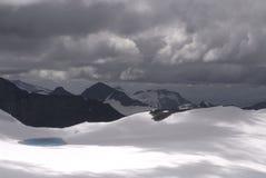 Montañas y glaciar en Jotunheimen Fotografía de archivo libre de regalías