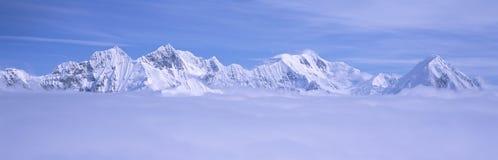 Montañas y glaciares Imagen de archivo libre de regalías