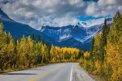 Montañas y glaciares majestuosos Fotografía de archivo libre de regalías