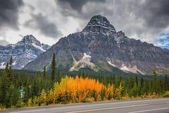 Montañas y glaciares majestuosos Foto de archivo libre de regalías