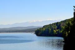 Montañas y lago Fotos de archivo