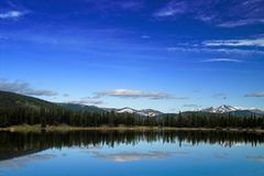 Montañas y lago de Colorado Fotografía de archivo libre de regalías
