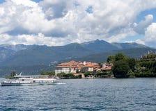 Montañas y lago de Majorie del lago Fotos de archivo libres de regalías