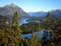 Montañas y lagos de los Andes Foto de archivo