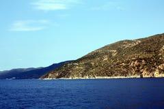 Montañas y mar Fotografía de archivo