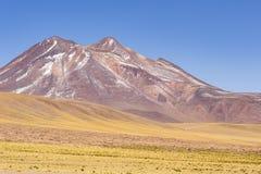 Montañas y prados en reserva nacional de los flamencos del Los Imagen de archivo libre de regalías