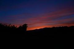 Montañas y puesta del sol Fotos de archivo libres de regalías