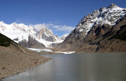 Montañas y ríos foto de archivo